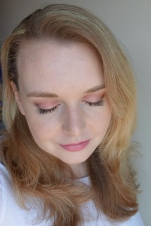 Soft Peachy-Pink Spring Look